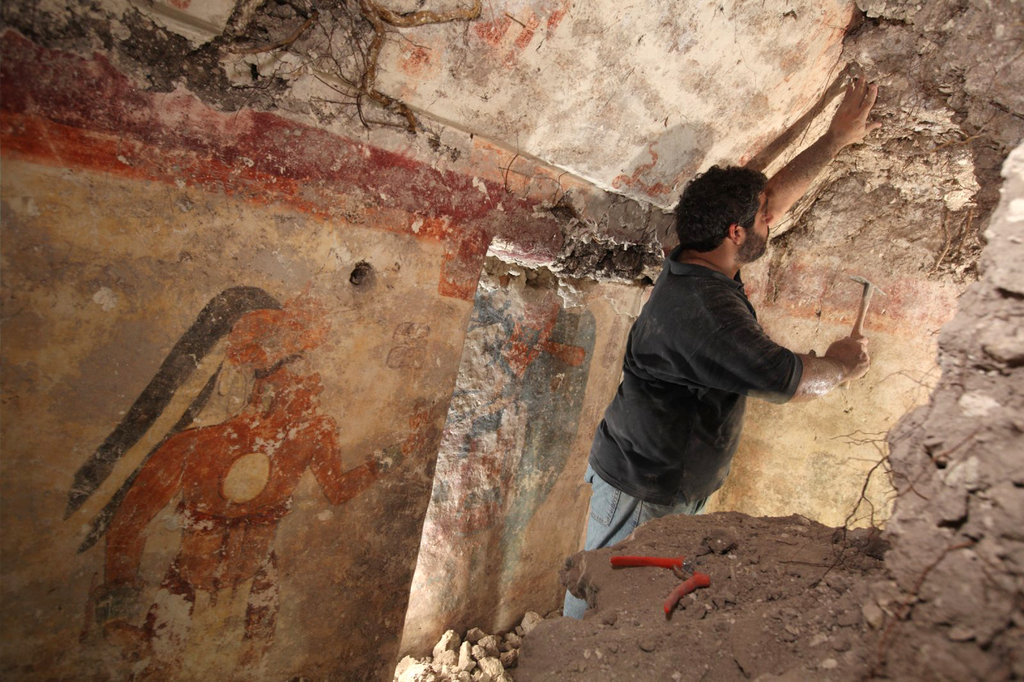 Archaeologists Unearth Ancient Maya Calendar Writing