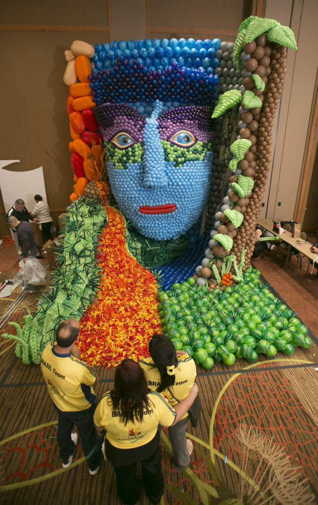 Pop Art  Balloon Festival Brings Most Ethereal Of Sculptures To