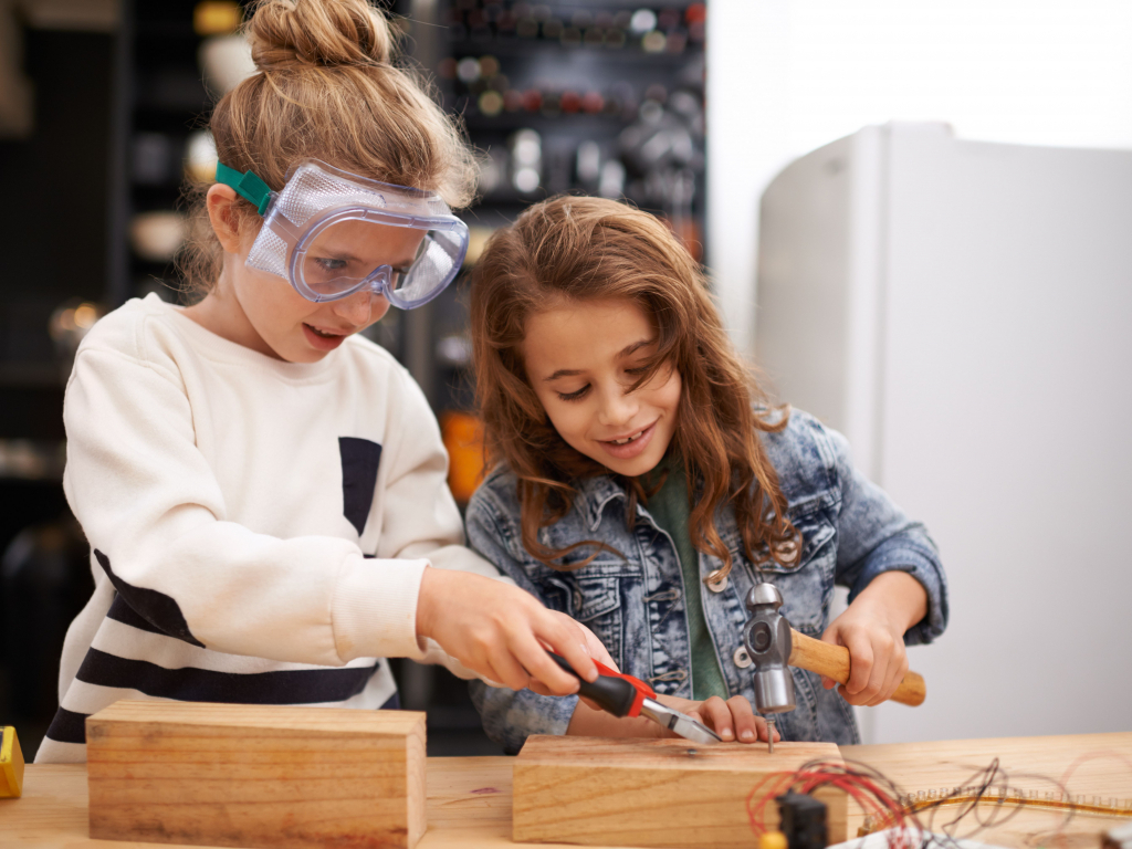 lowes build and grow free building classes for kids lowes build and grow schedule 2020