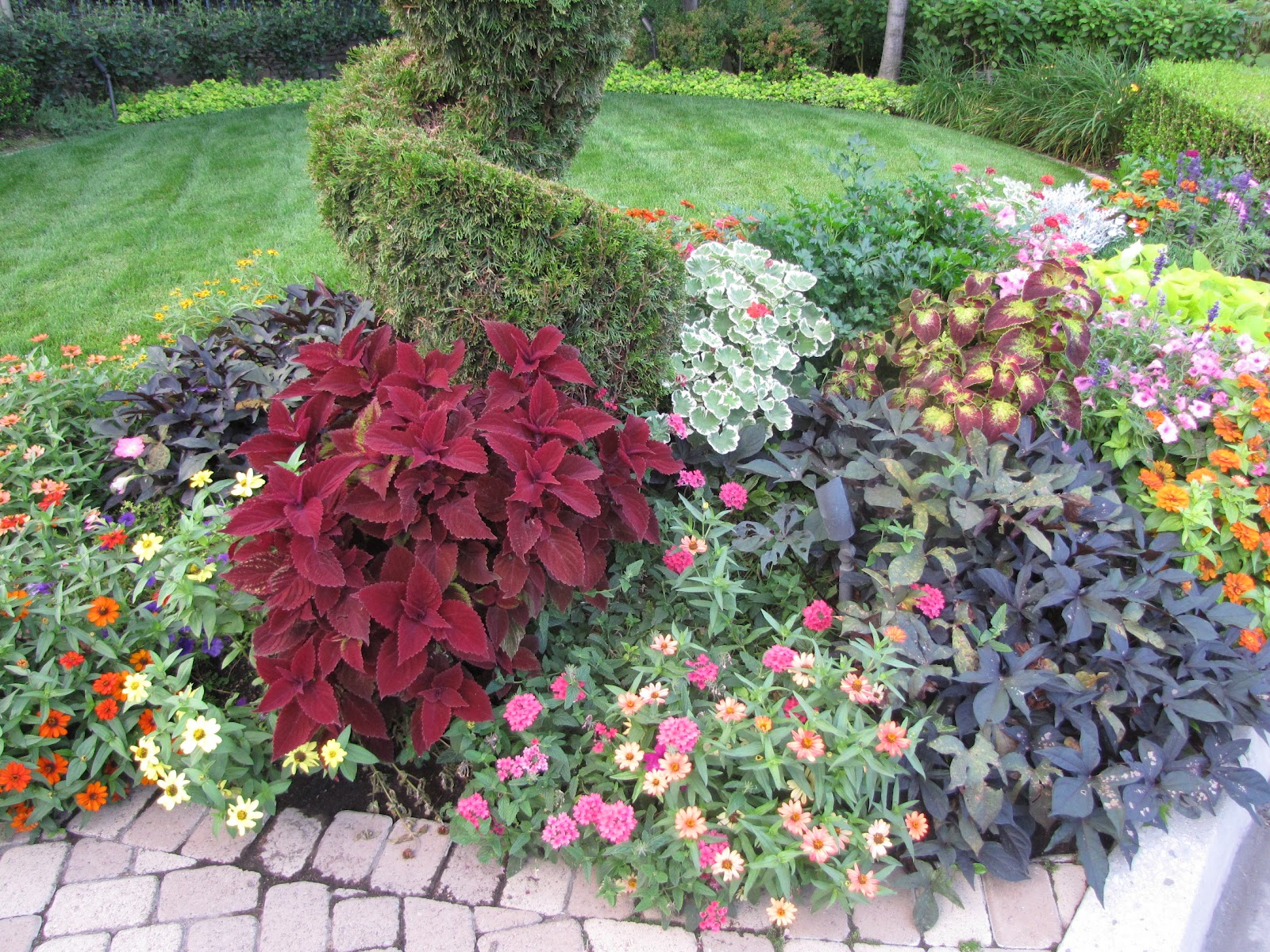 Russ Landscaping And Gardening Tips Lets Talk Summer